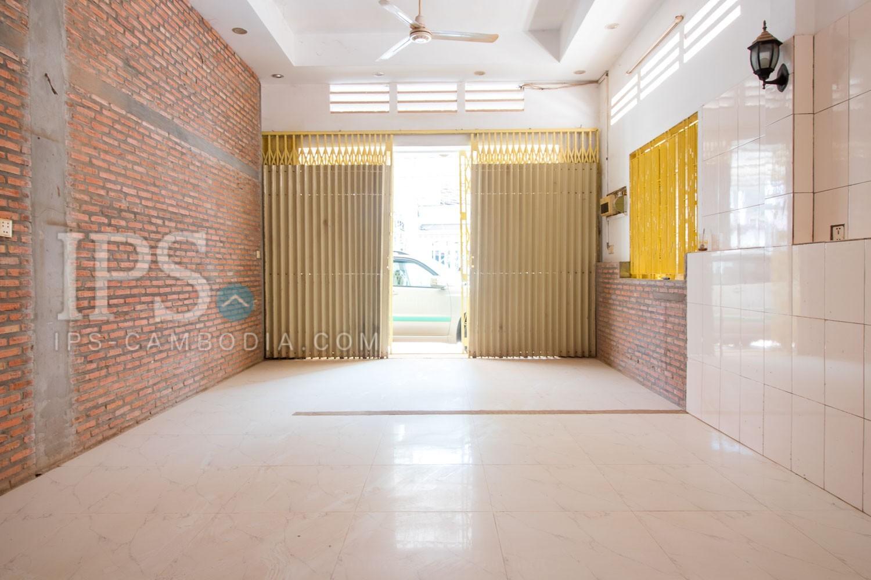 5 Bedroom Flat For Rent - Old MarketPub Street, Siem Reap
