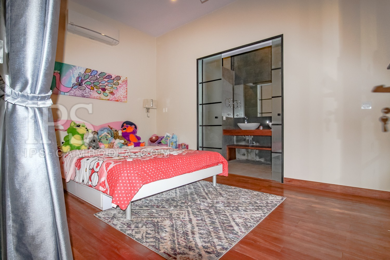 2 Bedroom Apartment For Sale - Daun Penh, Phnom Penh