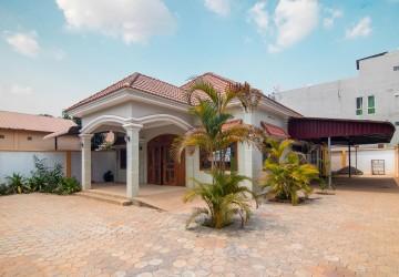 4 Bedroom Villa  For Rent in Svay Dangkum, Siem Reap