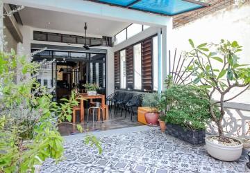 2 Bedroom Duplex For Rent - Daun Penh, Phnom Penh