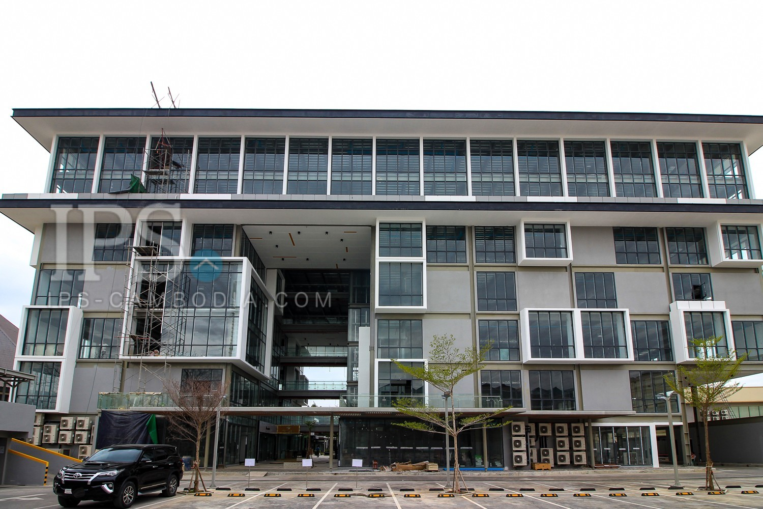 106 Sqm Office Space For Rent - Toul Tompong, Phnom Penh