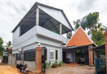 2 Bedroom House For Rent - Sangkat Siem Reap, Siem Reap