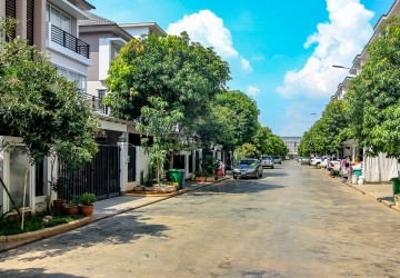 4 Bedroom Twin Villa For Sale - Chroy Changvar, Phnom Penh thumbnail