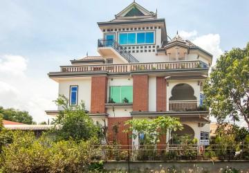 5 Bedroom Villa For Sale - Sala Kamreuk, Siem Reap
