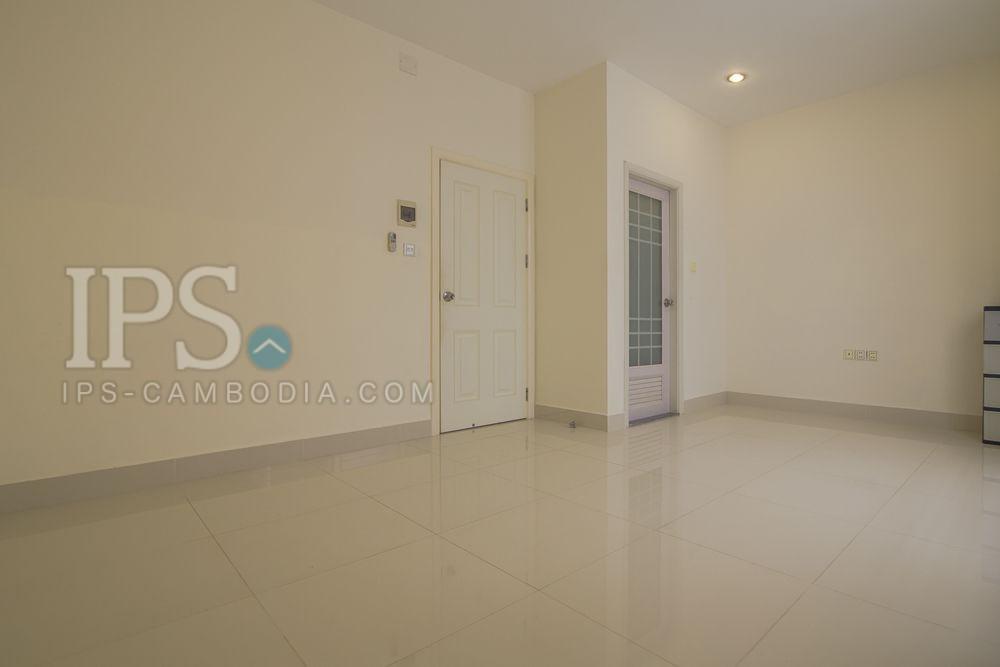 4 Bedroom Townhouse For Rent - Phnom Penh Thmey