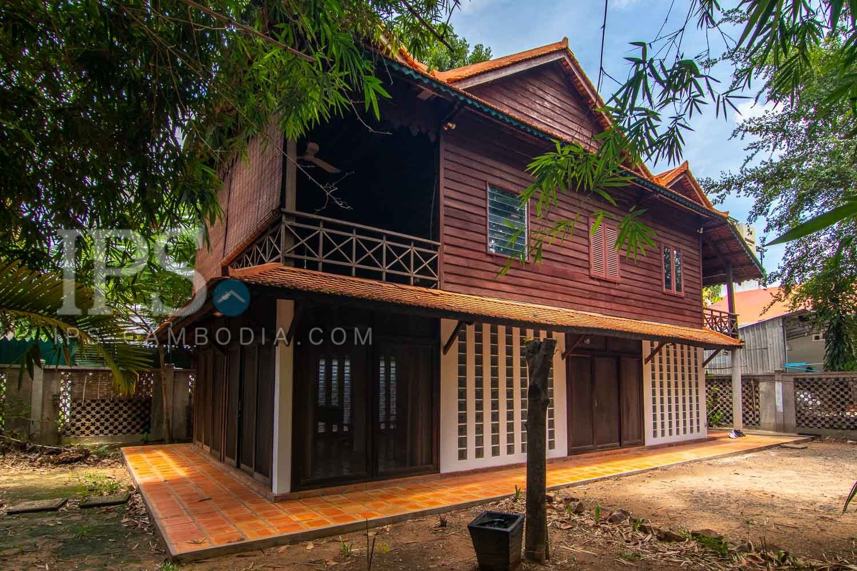 2 Bedroom Wooden House For Rent - Sala Kamreuk, Siem Reap