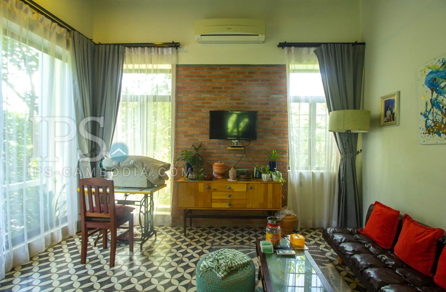 7 Bedroom Luxury Villa with Guest Apartments For Sale - Sangkat Siem Reap, Siem Reap