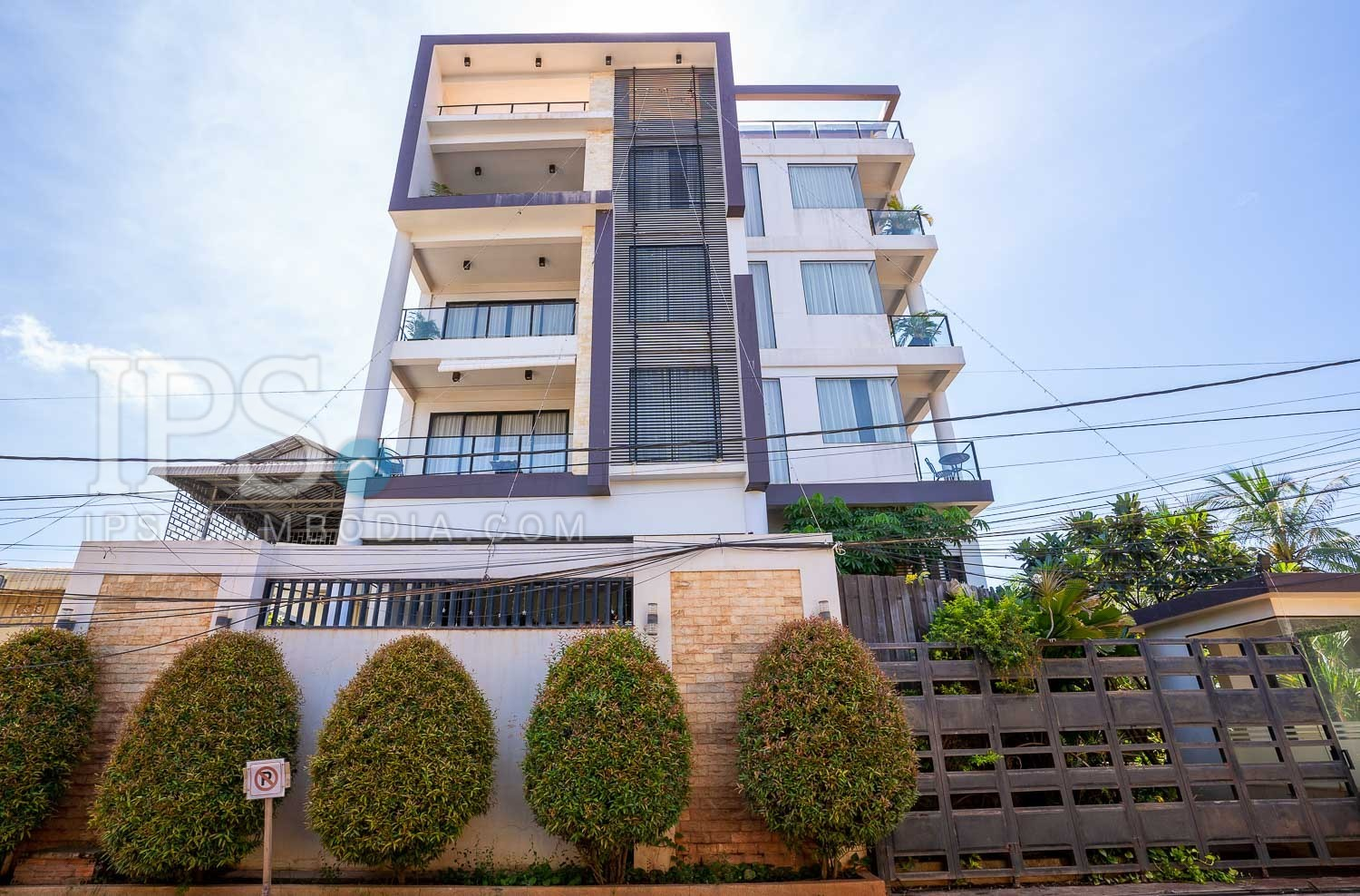 7 Unit Apartment Building For Sale - Sala Kamreuk, Siem Reap