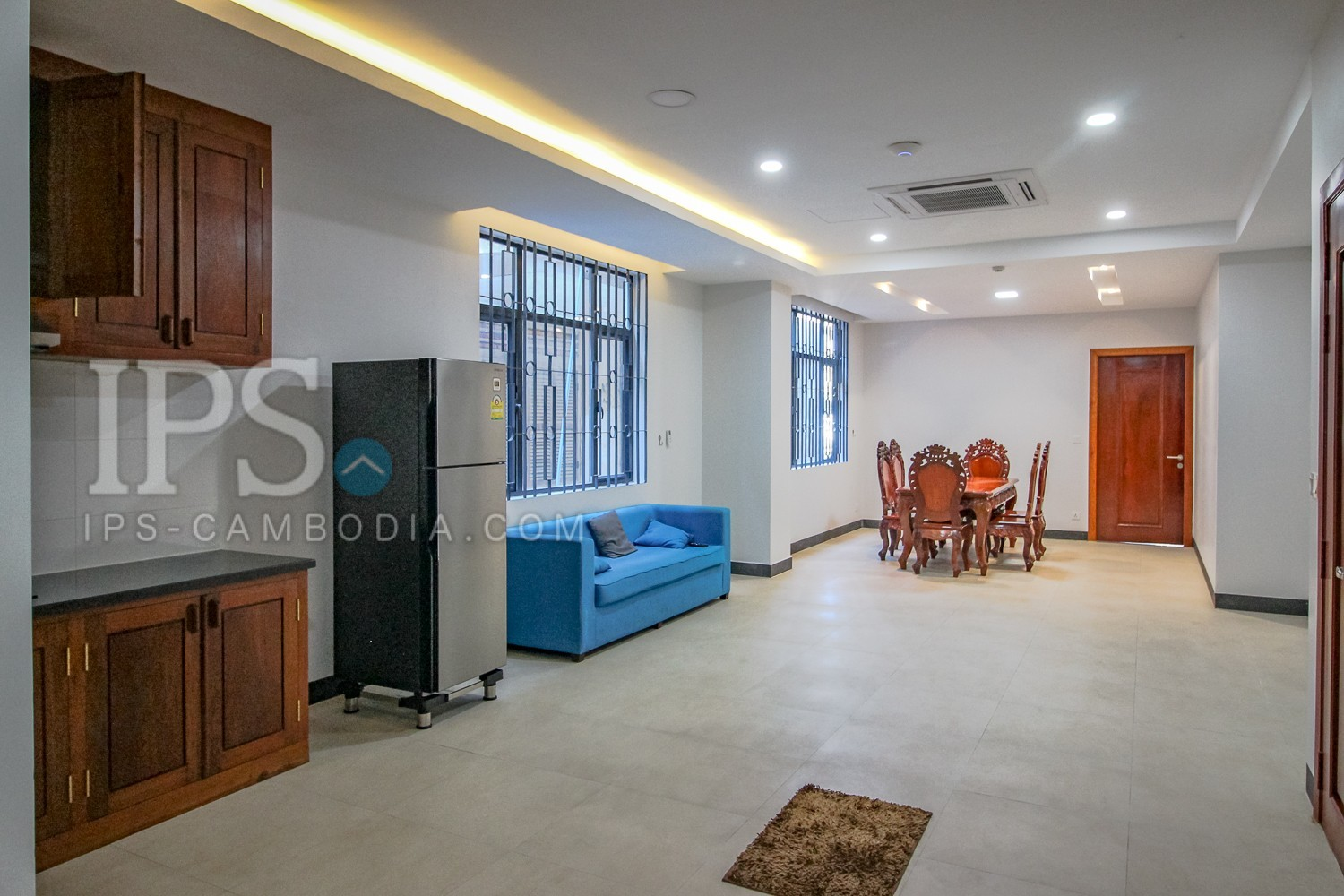 3 Bedrooms Apartment For Rent - Tonle Bassac, Phnom Penh