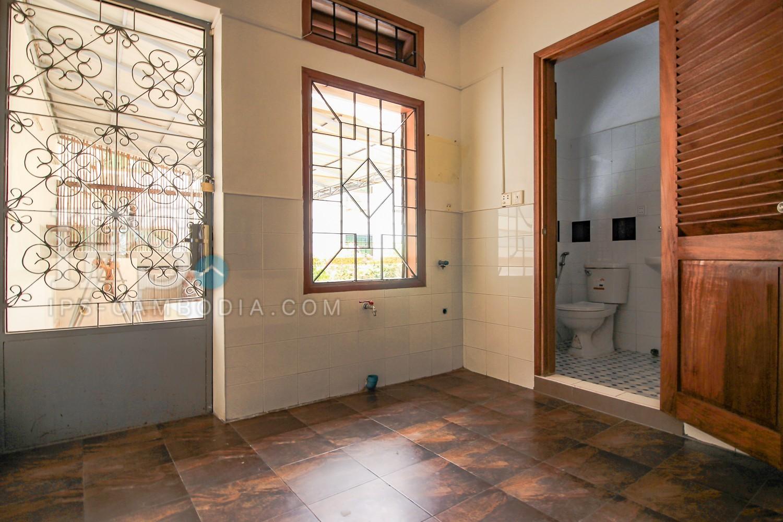 4 Bedroom Duplex Apartment For Rent Daun Penh Phnom 11184 ...