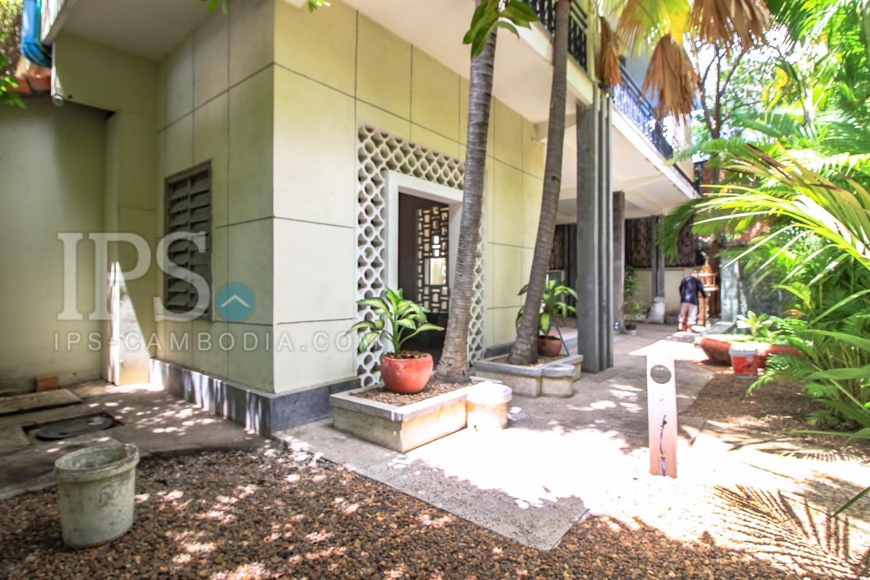 1080 Sqm Land For Sale - Wat Phnom Area, Phnom Penh
