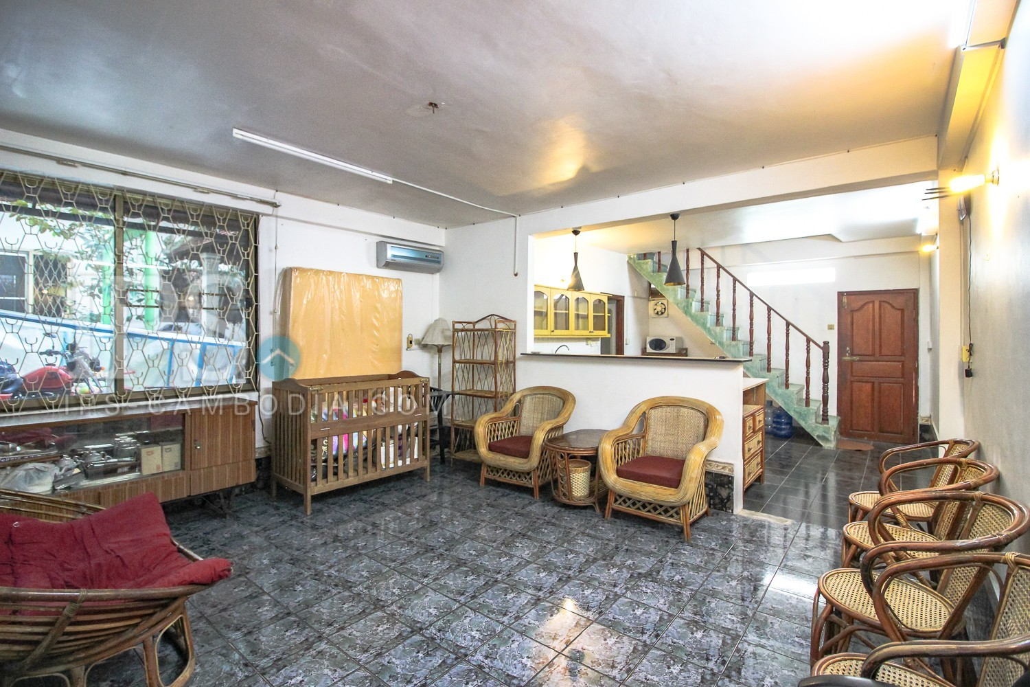3 Bedrooms Townhouse For Rent in Tonle Bassac, Phnom Penh