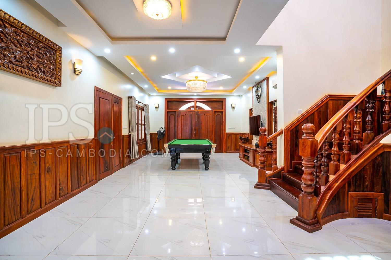 6 Bedroom Villa for Rent in Sala Kamreuk, Siem Reap