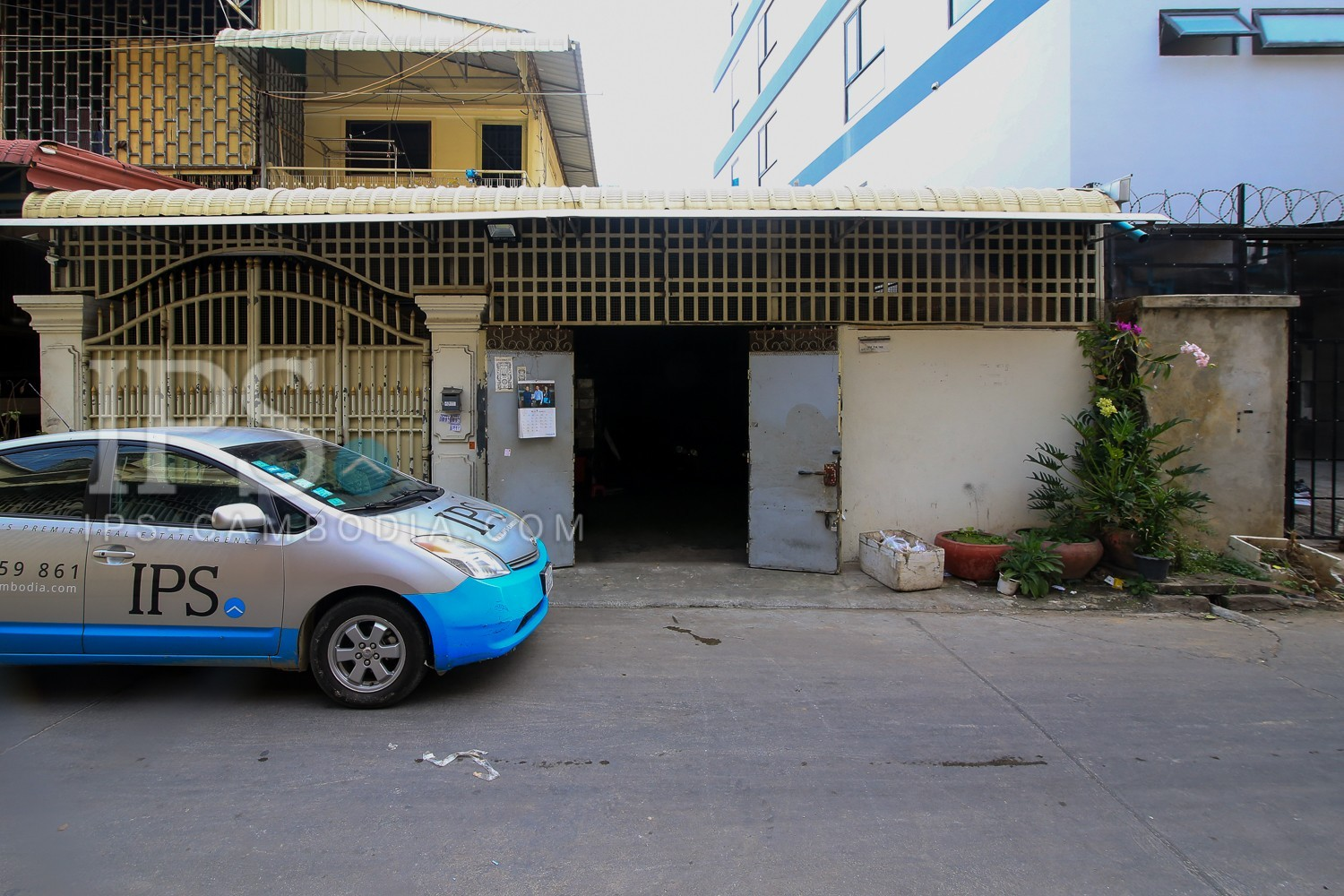 183 Sqm House and Lot For Sale  - Toul Tum Poung 2, Phnom Penh