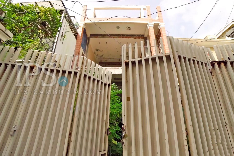 Unrenovated Townhouse For Sale - Tonle Bassac, Phnom Penh