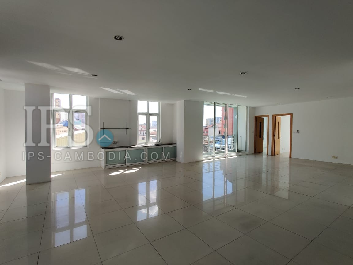 259 SQM Office Space for Rent  in 7 Makara, Phnom Penh