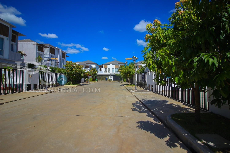 4 Bedroom Twin Villa For Sale - Chroy Changvar, Phnom Penh