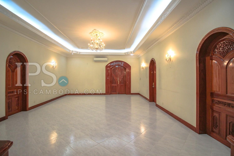 11 Room Commercial Villa For Rent - Daun Penh, Phnom Penh