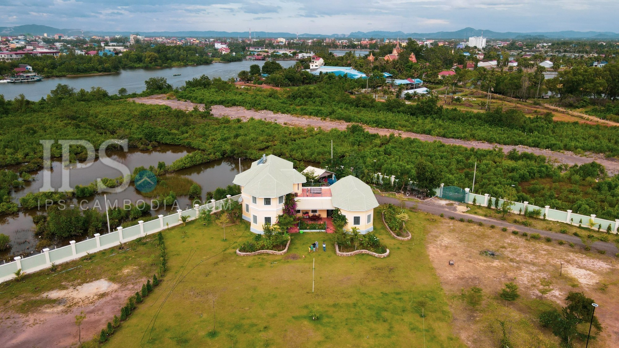 6186 Sqm River Front Property For Sale - Kampot Province