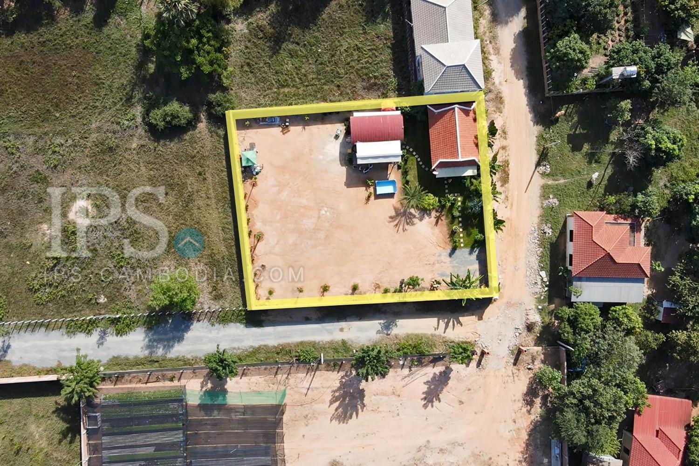 1018 Sqm Corner Land With Villa For Sale - Svay Dangkum, Siem Reap