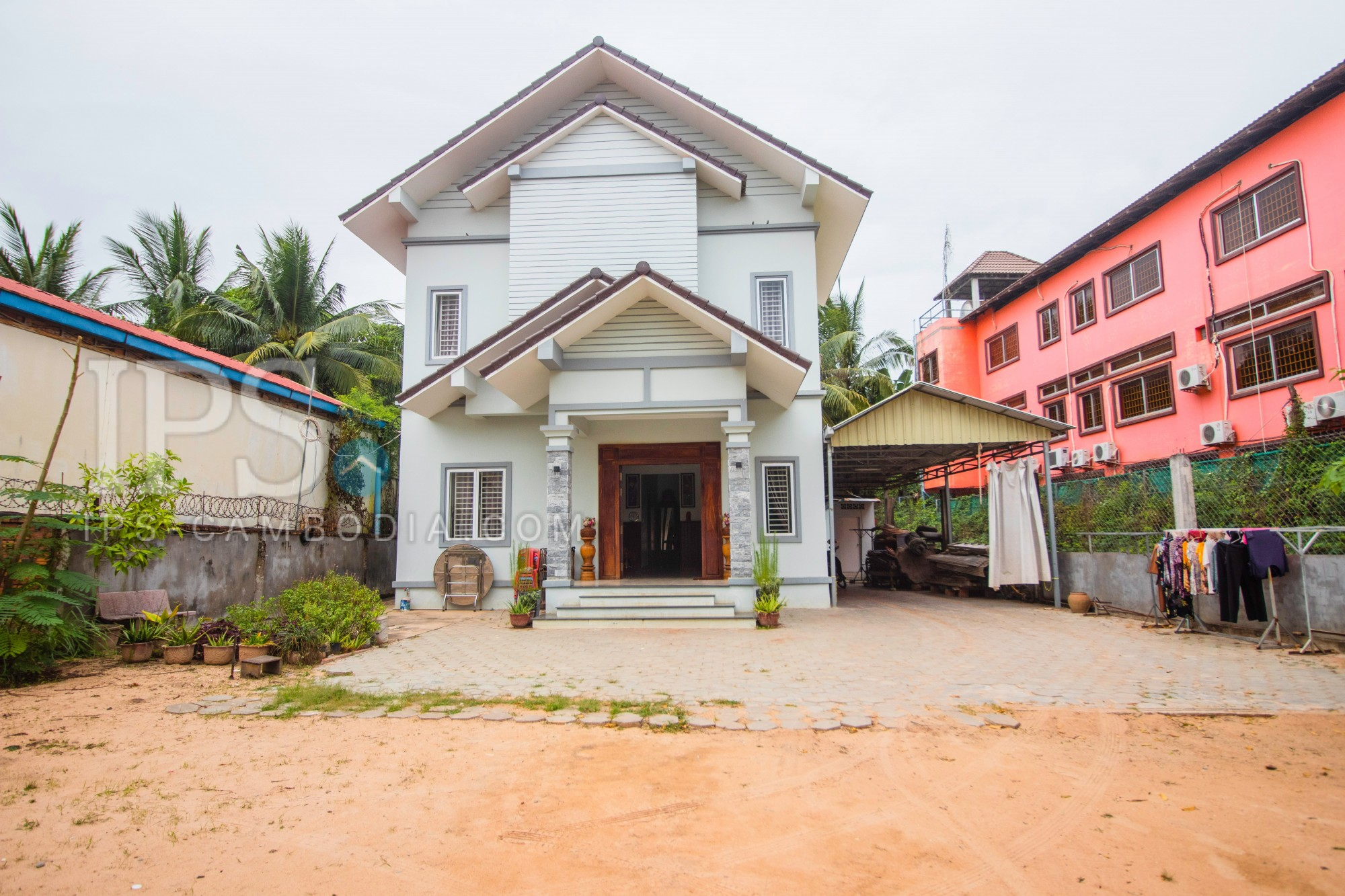 650 Sqm Land With House For Sale - Sala Kamreuk, Siem Reap