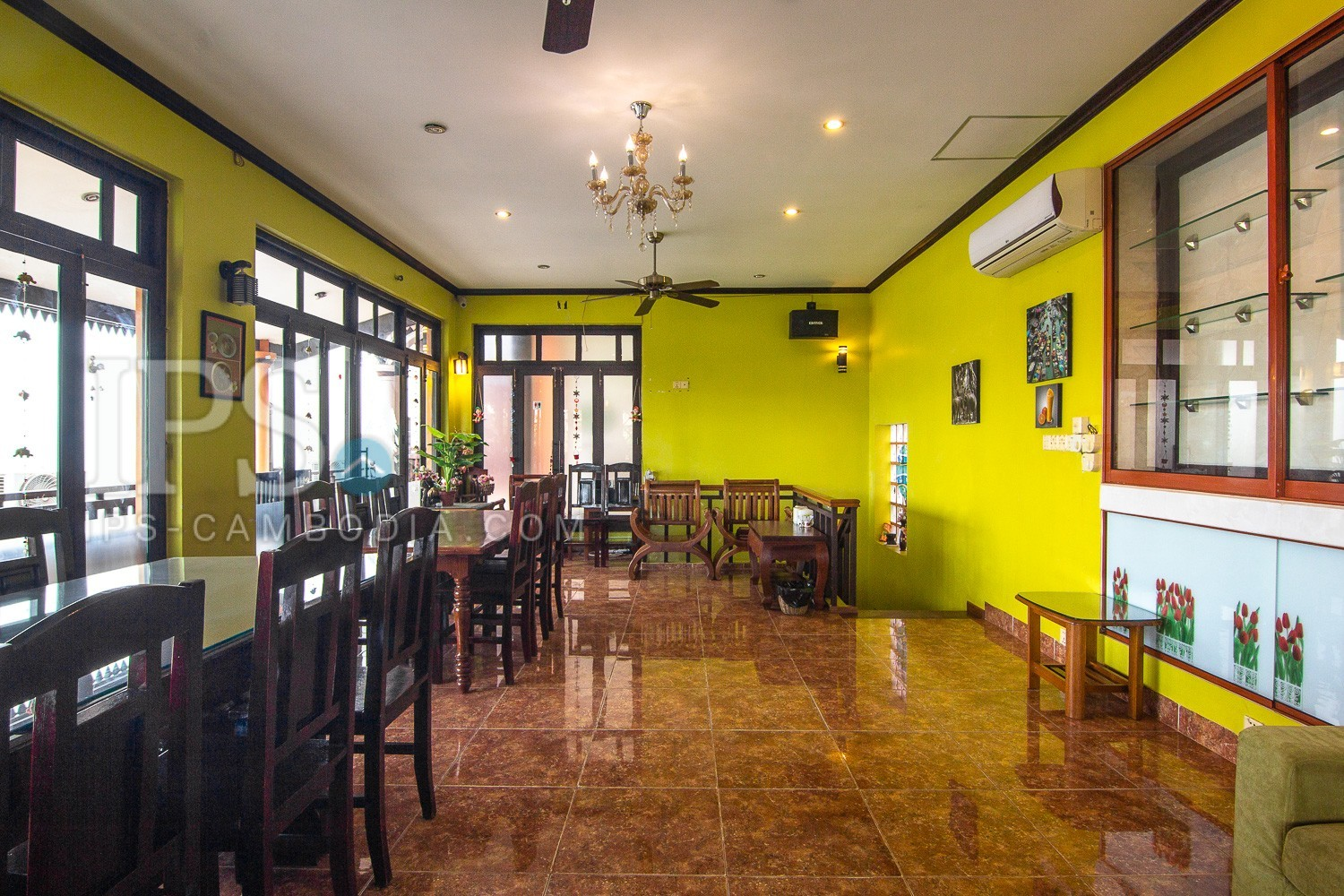 4 Bedroom House With Restaurant For Sale - Night Market, Siem Reap