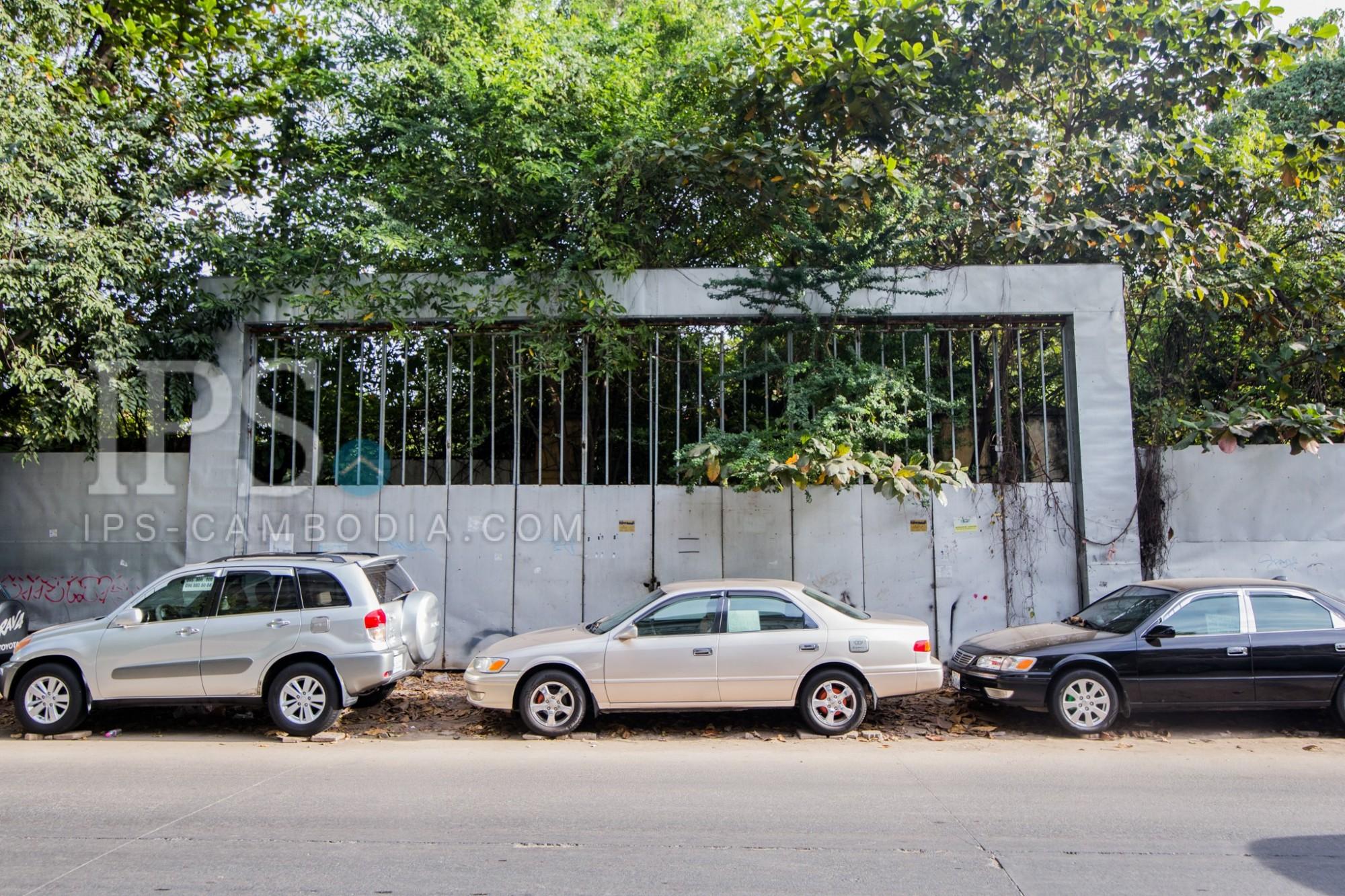 8,923 Sqm Land For Sale - Along Sisowat Quay, Phnom Penh
