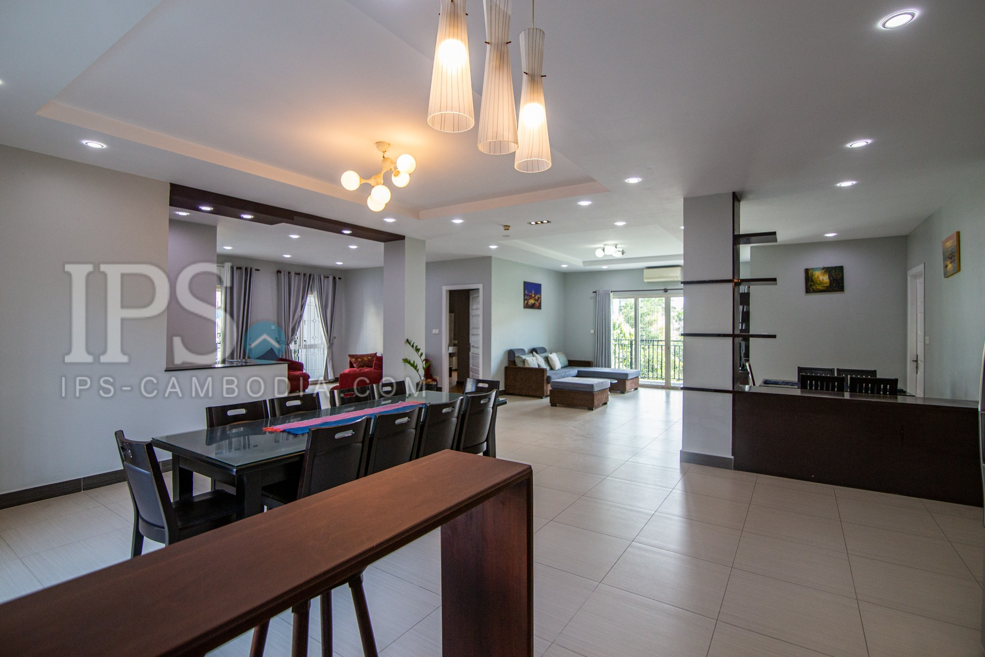 4 Bedroom Apartment For Rent - Psar Doem Tkov, Phnom Penh