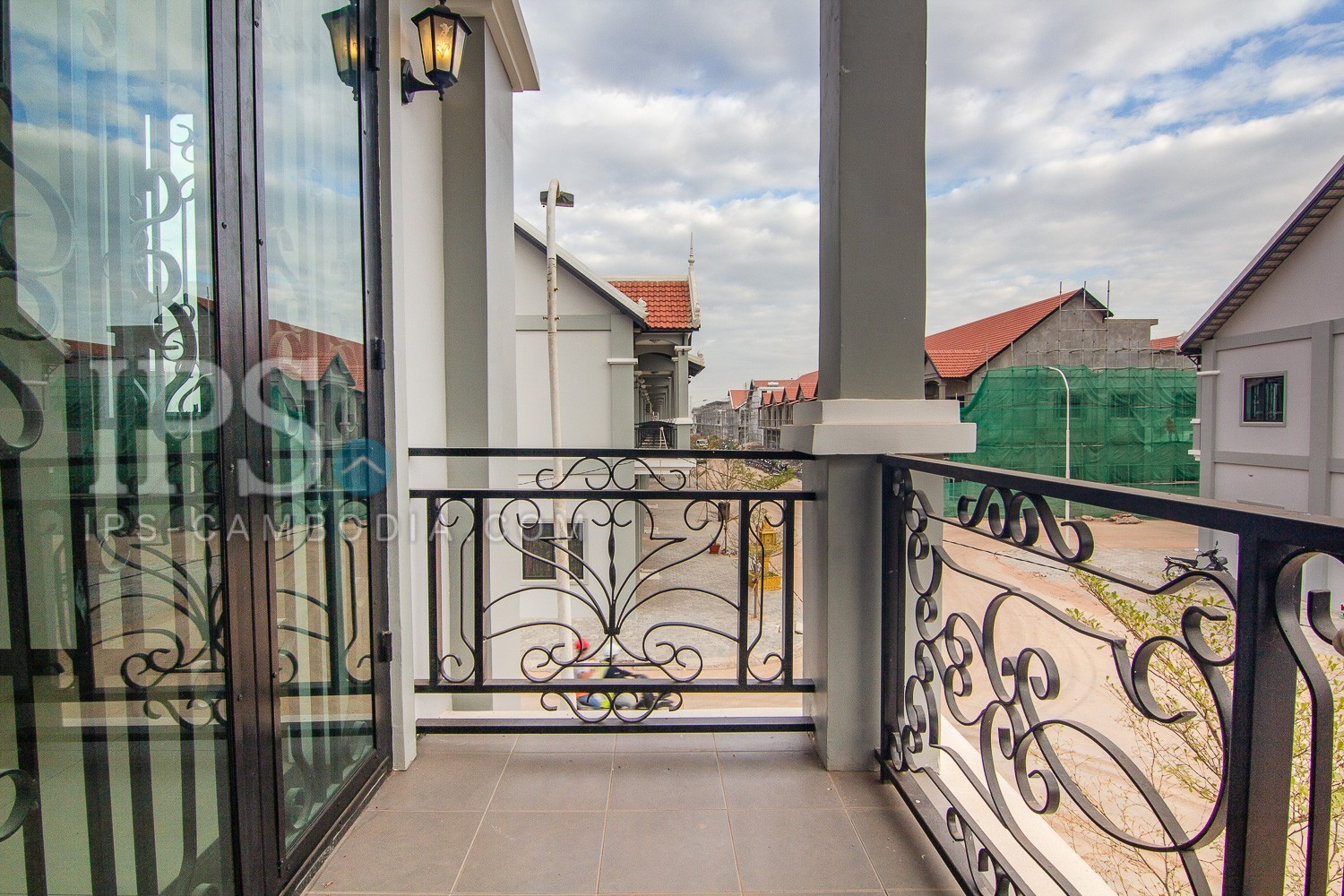 4 Bedroom Flat House For Sale - Svay Thom, Siem Reap