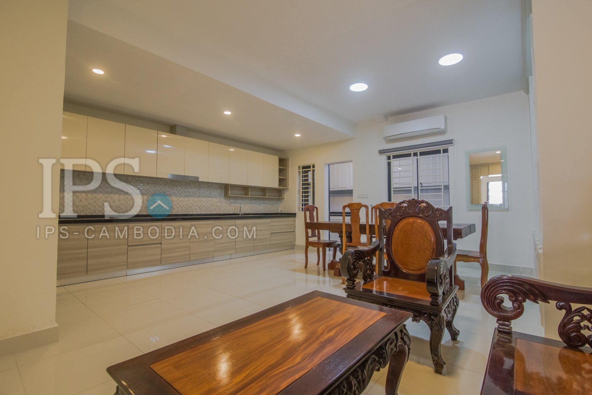 5 Bedroom Townhouse For Rent - Chak Angrae Kraom, Khan Meanchey, Phnom Penh