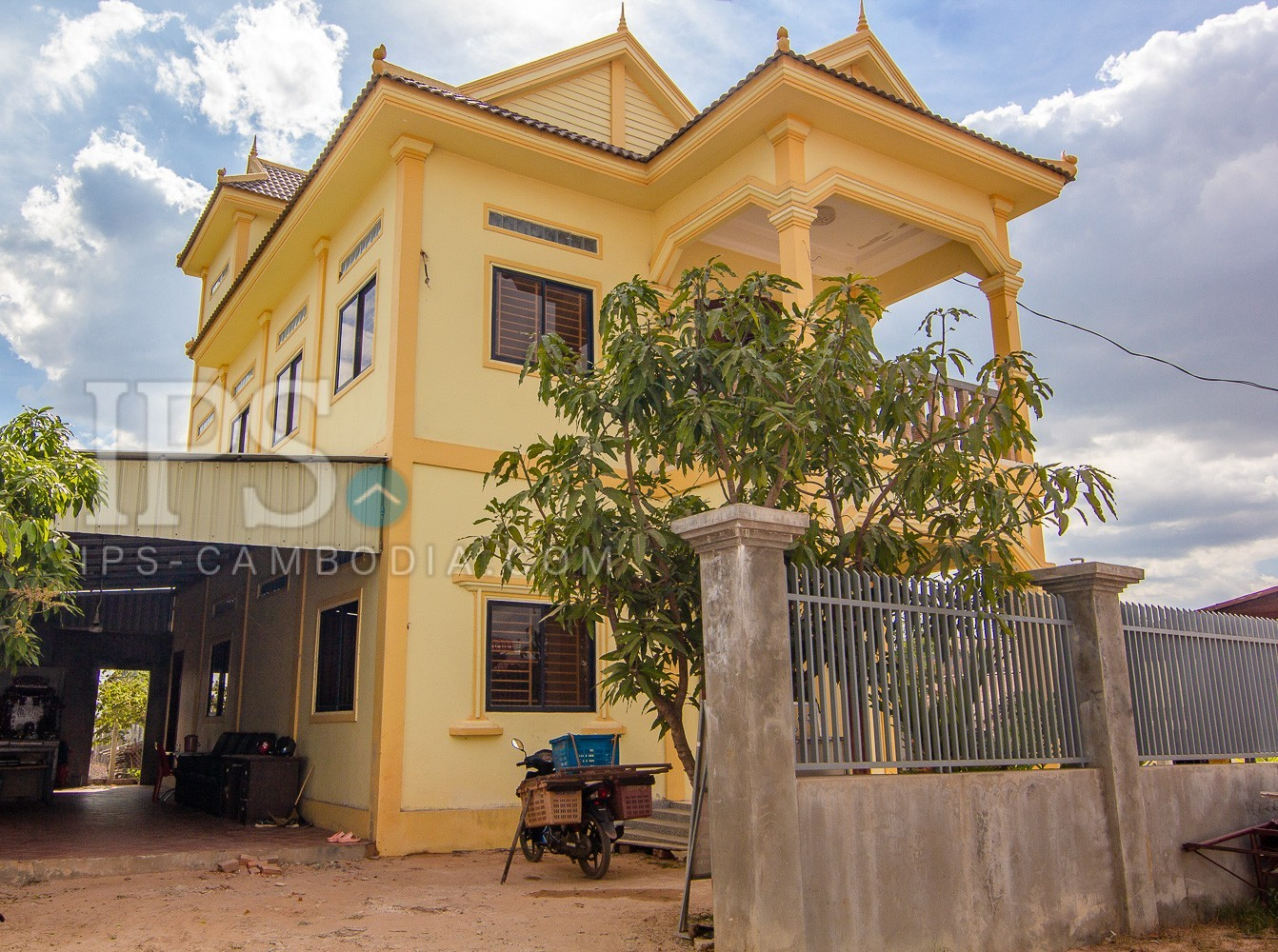 5 Bedroom House For Sale - Sangkat Siem Reap, Siem Reap