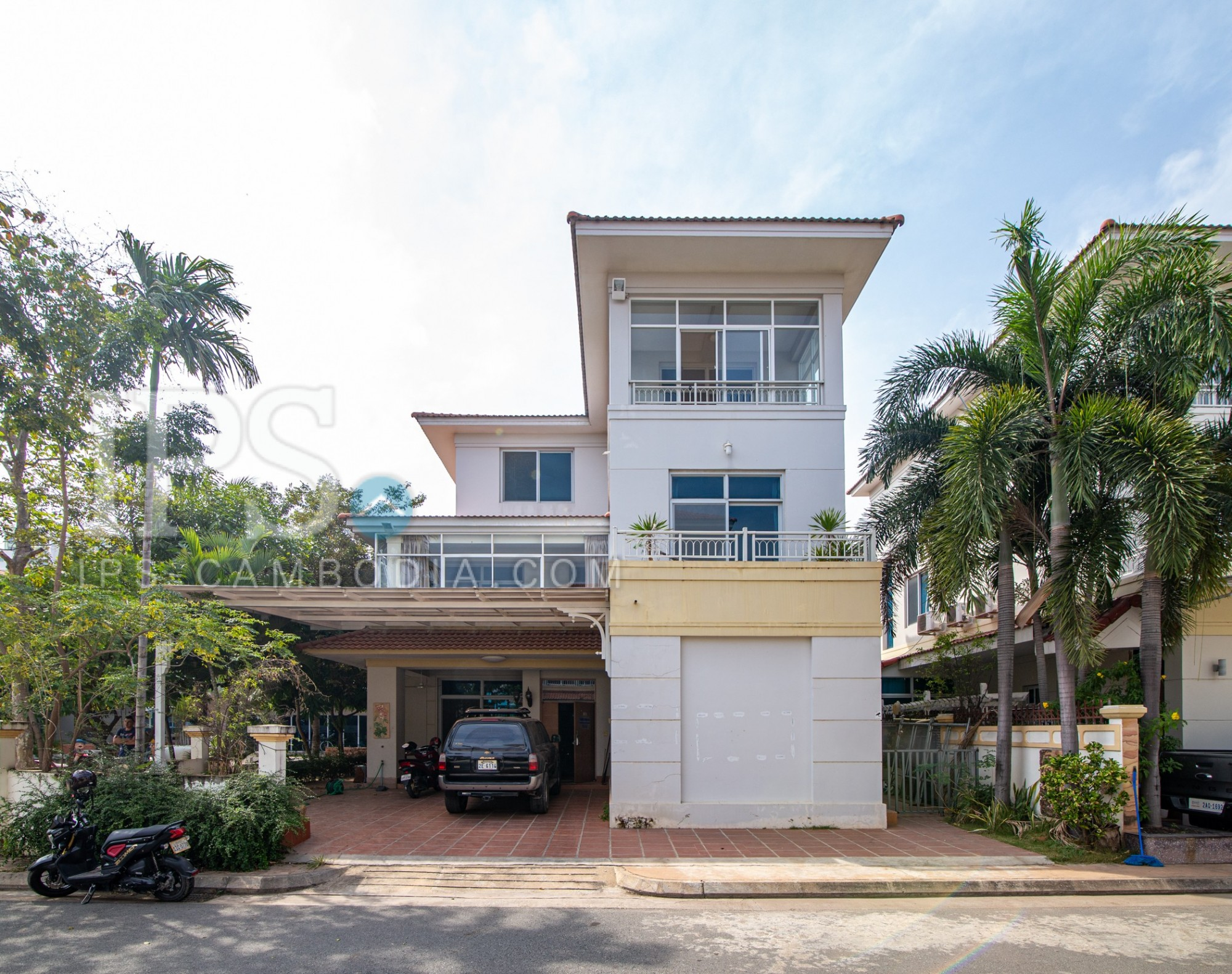 4 Bedroom Villa For Rent - Boeung Kak 1, Toul Kork, Phnom Penh