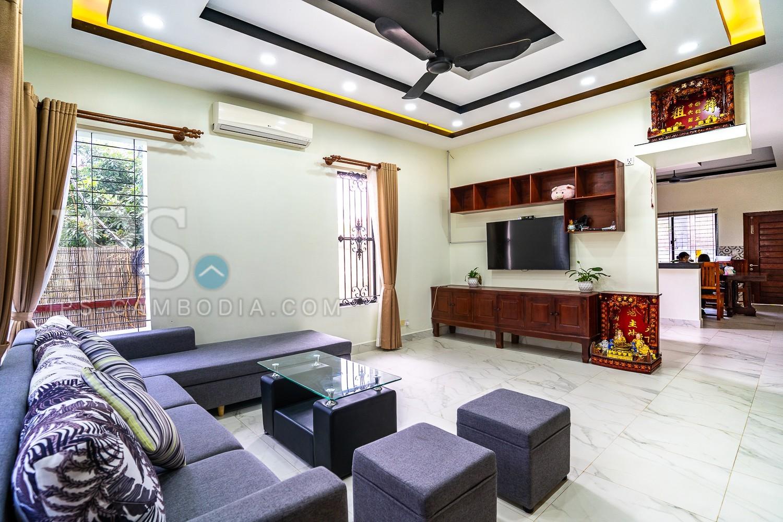 4 Bedroom Villa  For Sale in Wat Bo, Siem Reap