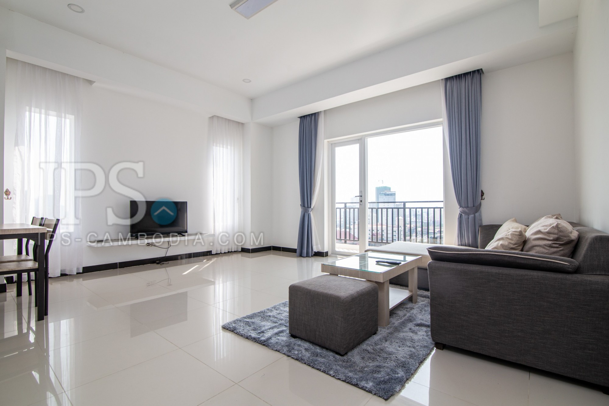 2 Bedroom Serviced Apartment For Rent - Tonle Bassac, Chamkarmorn, Phnom Penh