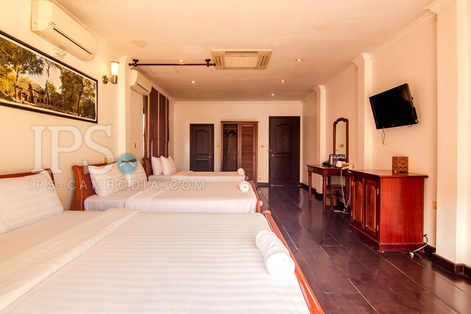 7 Bedroom Shophouse  For Rent - Old Market  Pub Street, Siem Reap