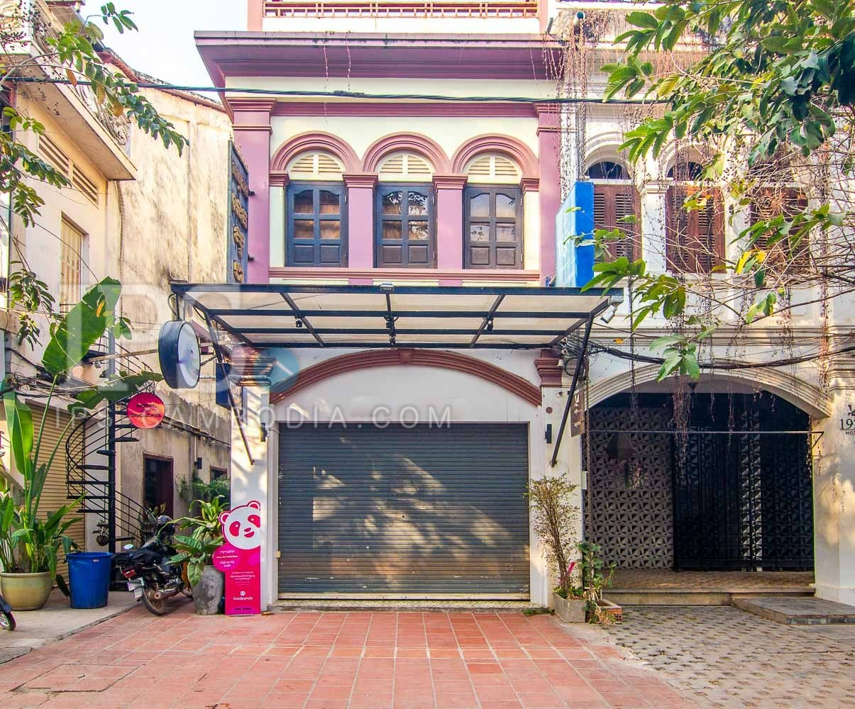7 Bedroom Shophouse  For Sale - Old Market  Pub Street, Siem Reap