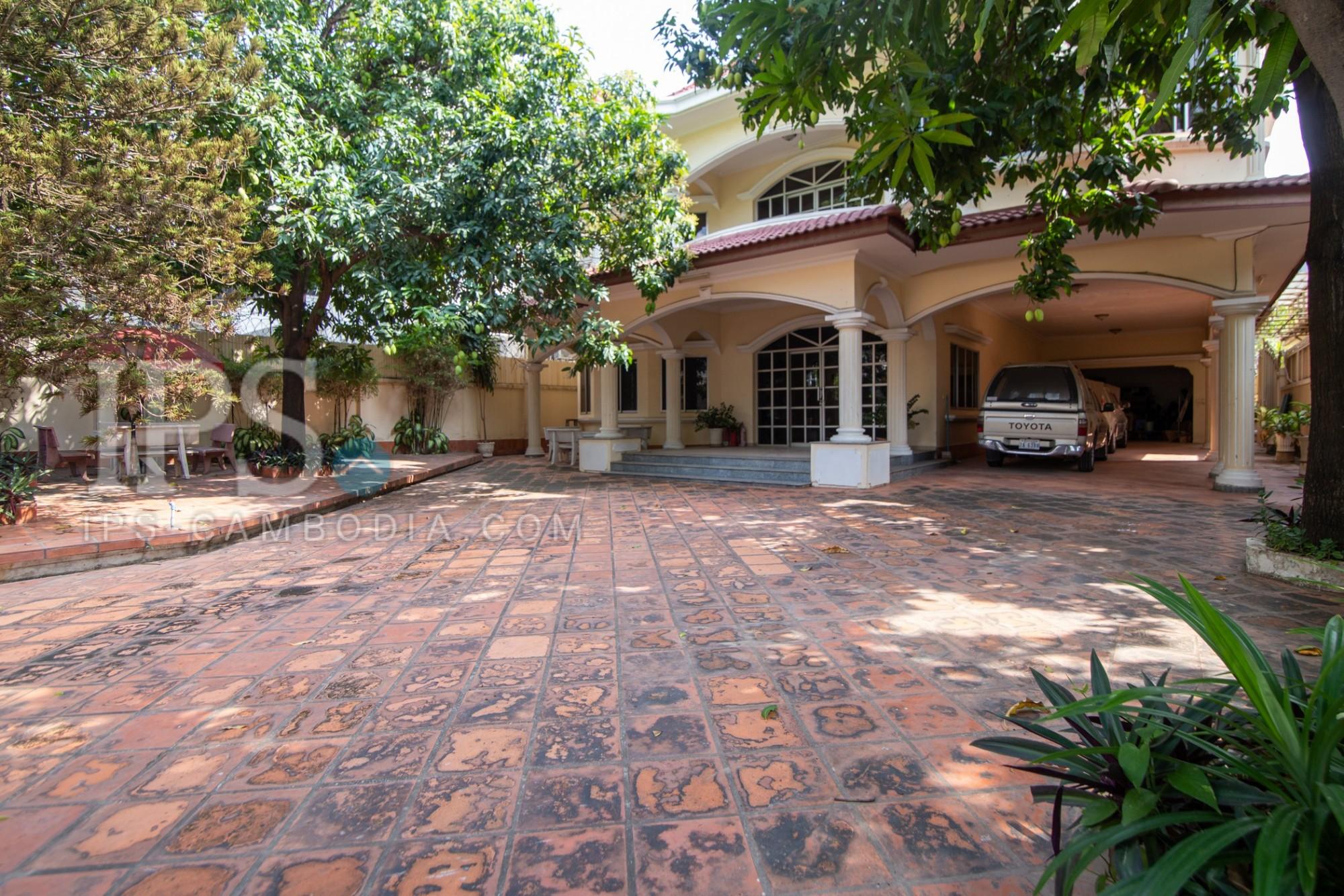 8 Bedroom Commercial Villa For Rent - BKK1, Phnom Penh
