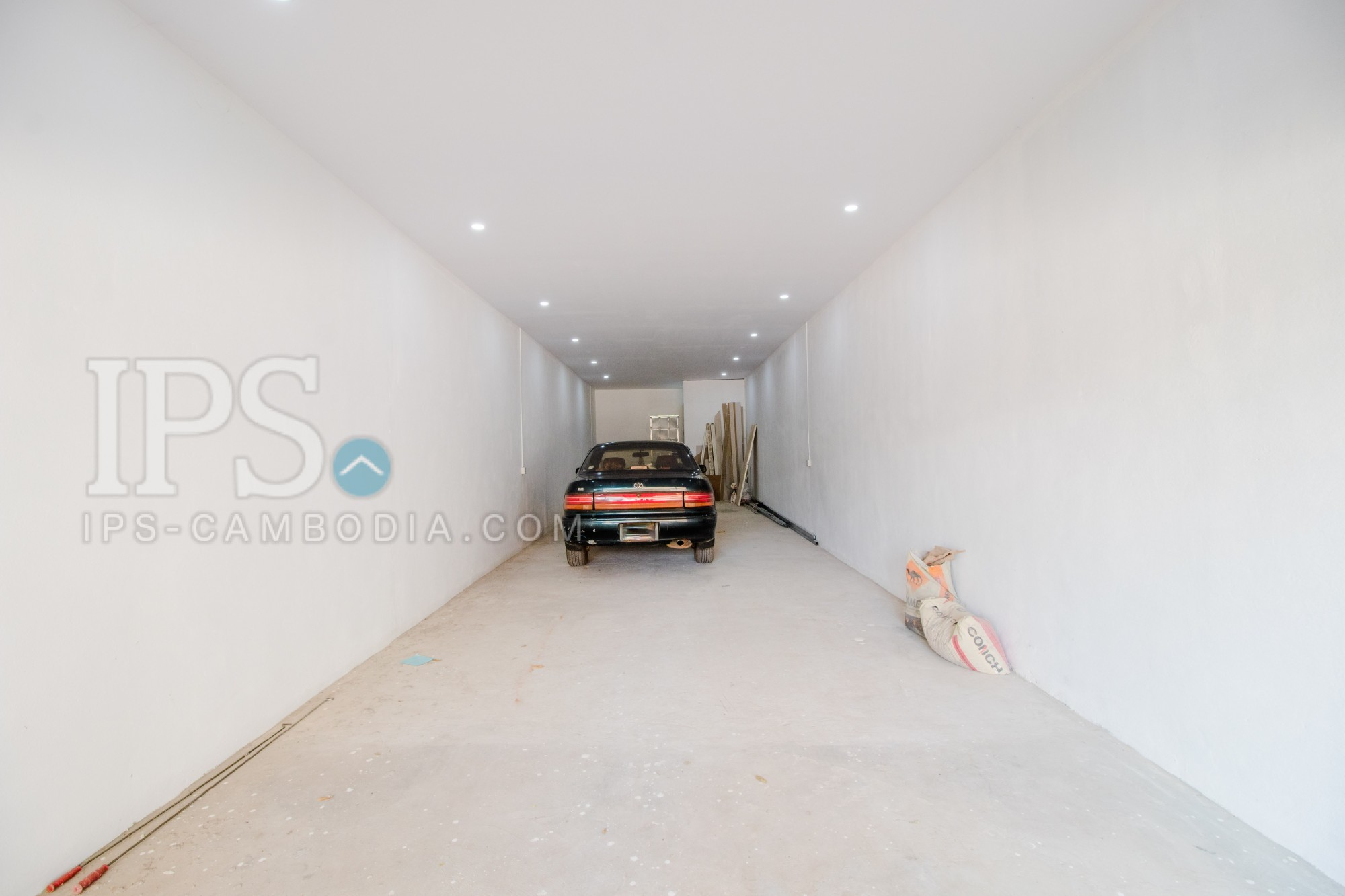 68 Sqm Commercial Space For Rent - Night Market Area, Siem Reap