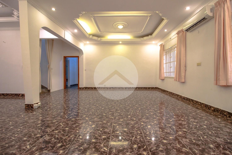 5 Bedroom Commercial Villa For Rent - Tonle Bassac, Phnom Penh