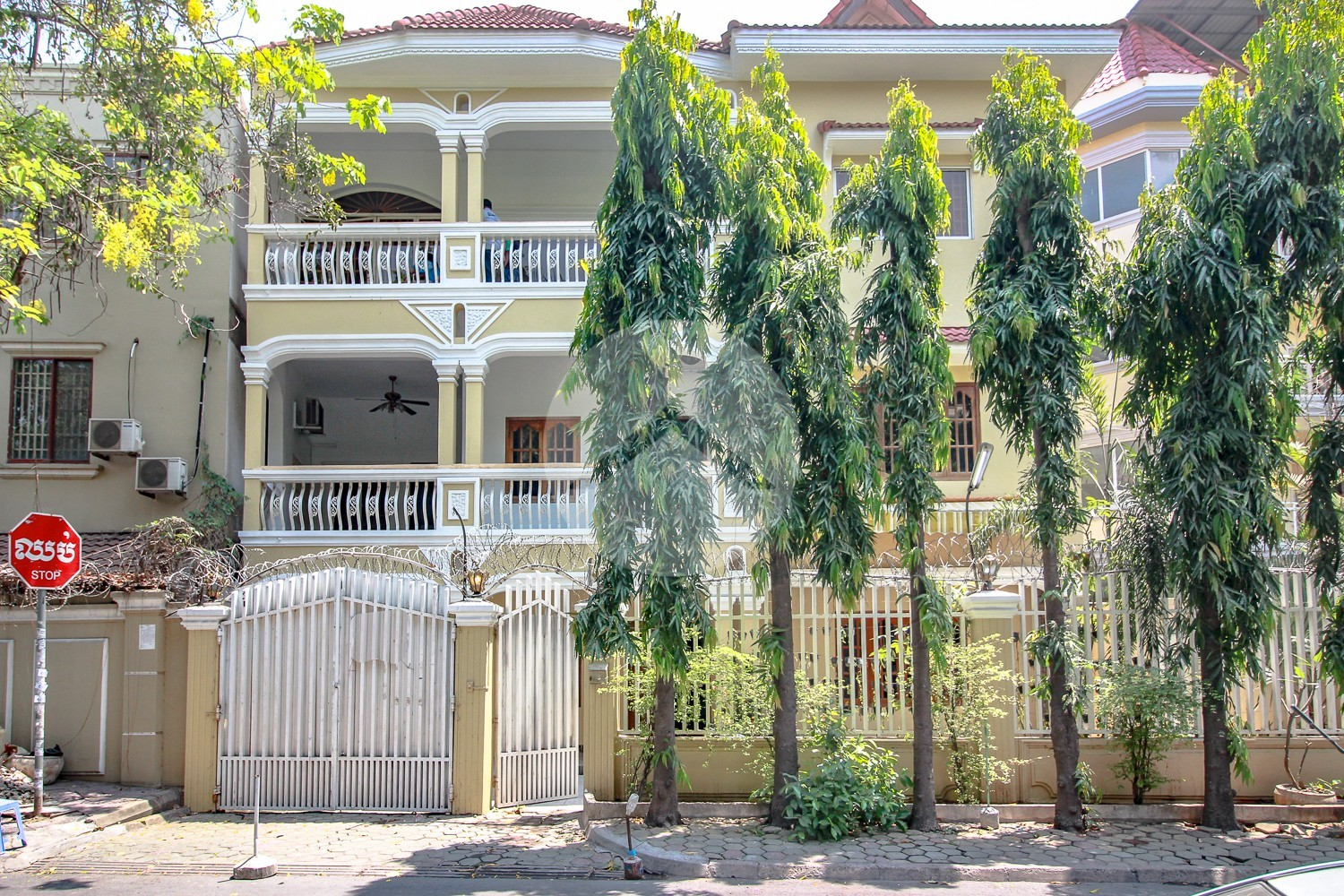 5 Bedroom Commercial Villa For Rent - Tonle Bassac, Phnom Penh