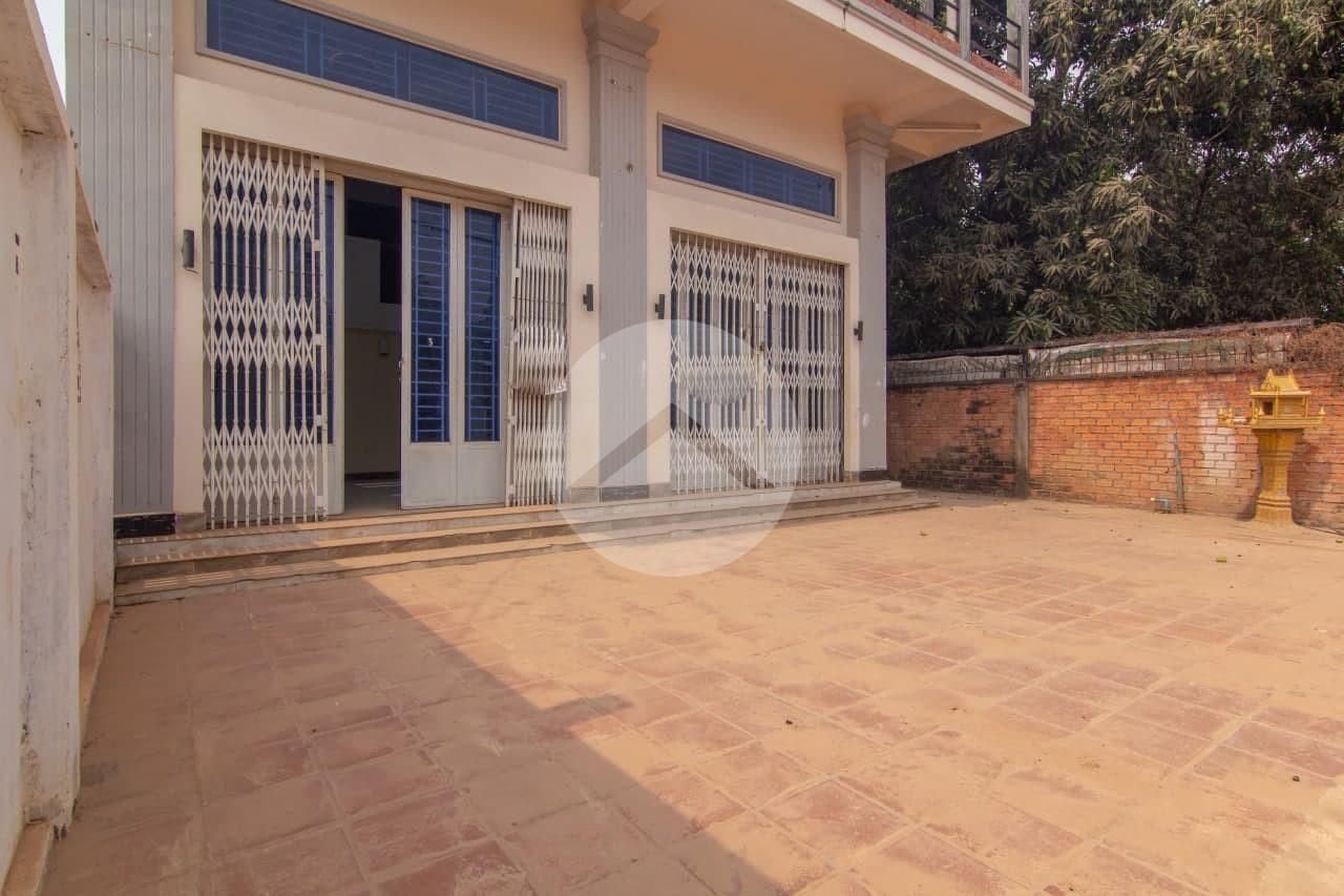 2 Bedroom Shophouse For Rent - Sala Kamreuk, Siem Reap