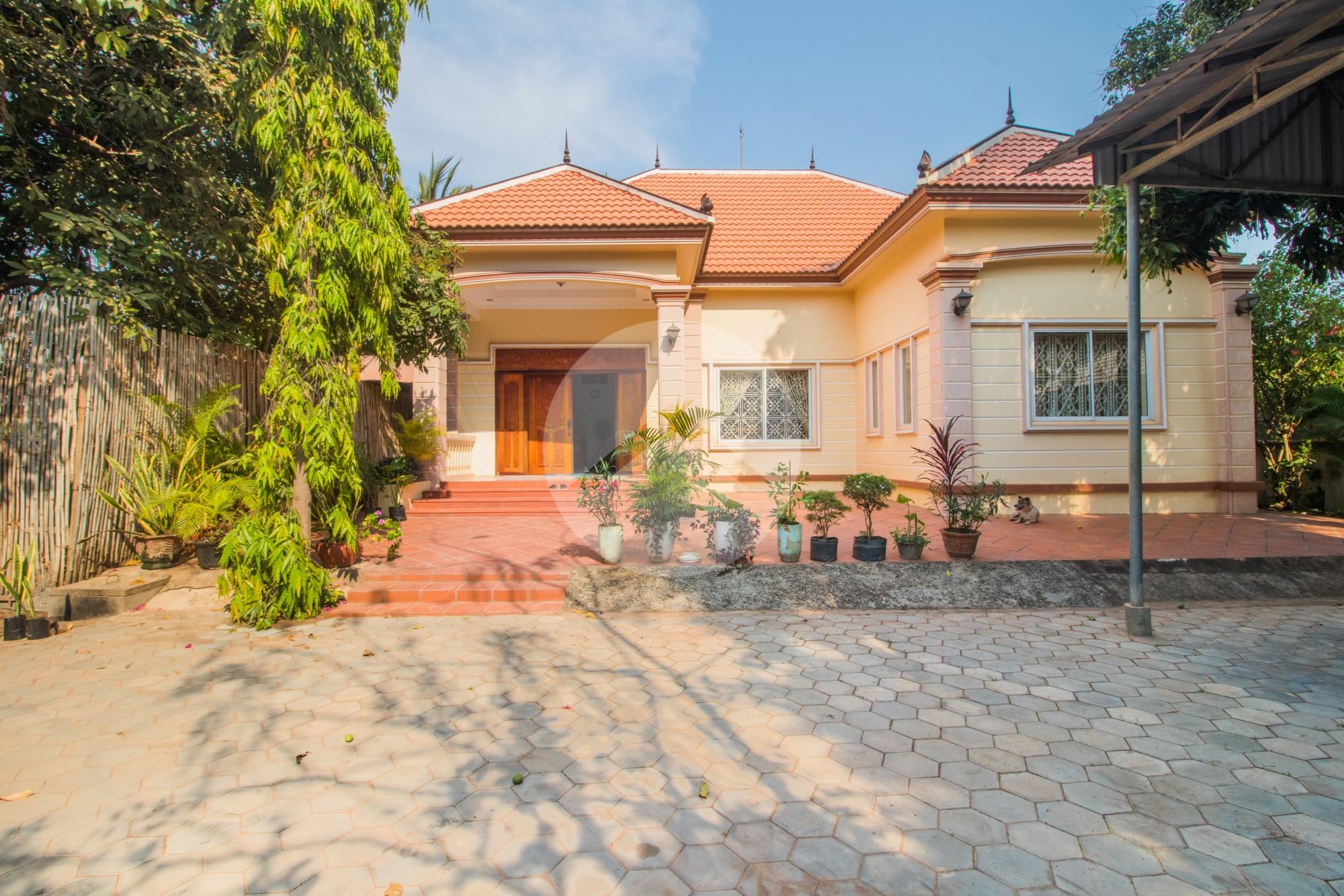 3 Bedroom Villa For Rent - Sala Komreuk, Siem Reap