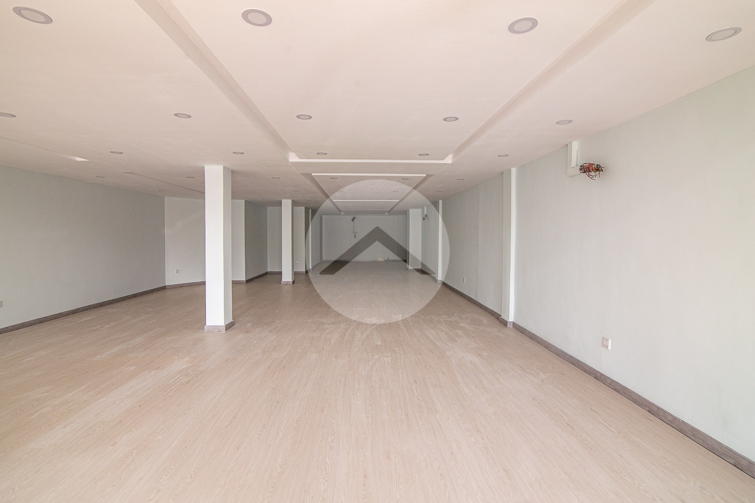 250 Sqm Commercial Building For Rent - Chamkarmorn, Phnom Penh