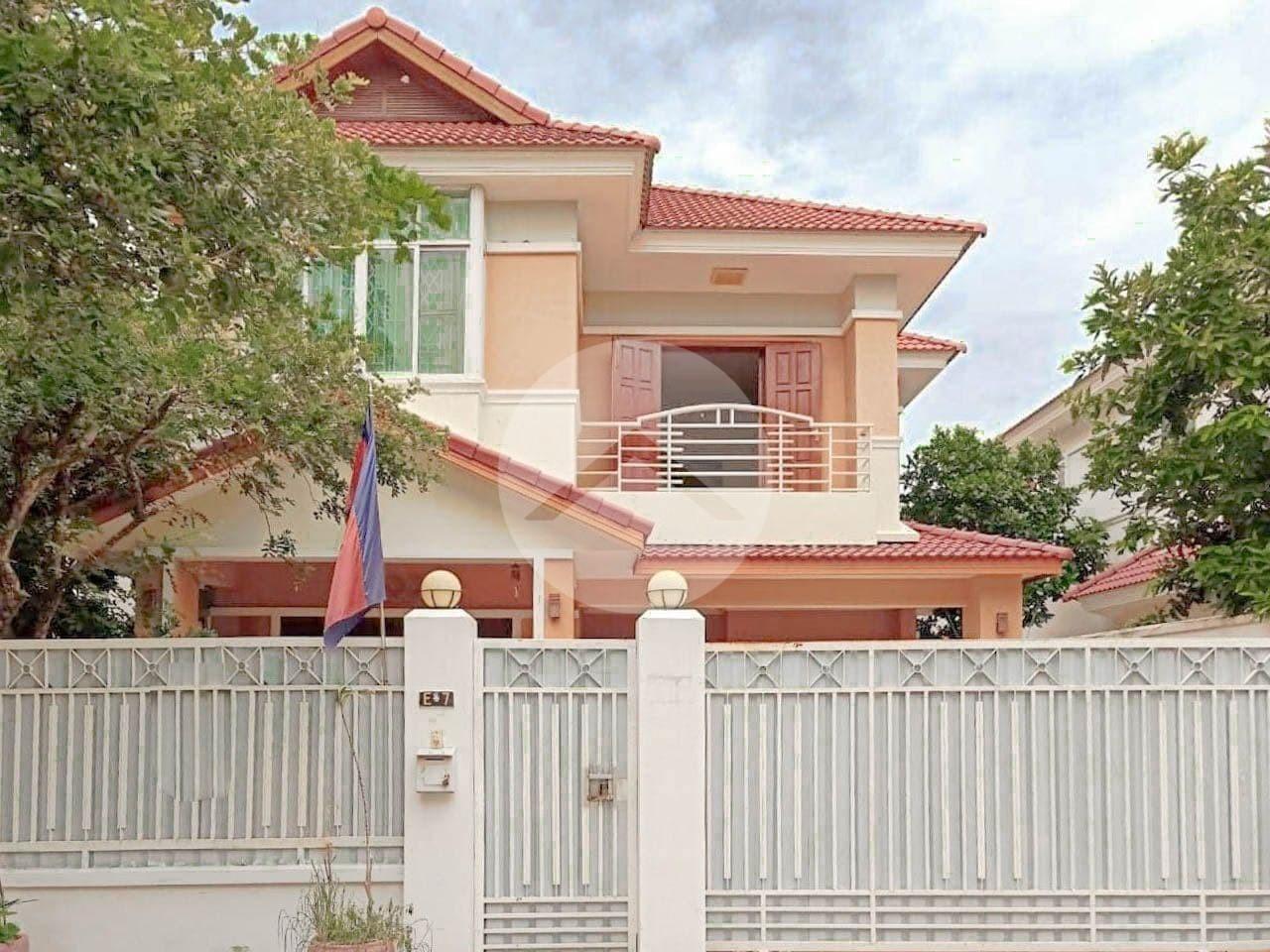 3 Bedroom Villa For Sale - Chamkarmorn, Phnom Penh
