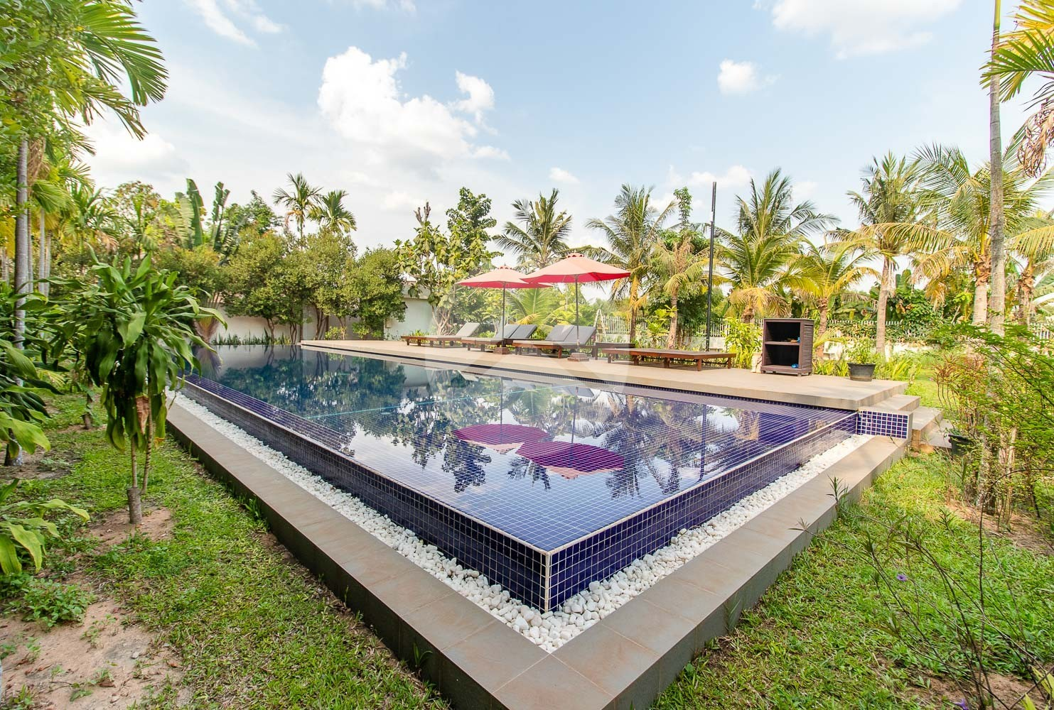2 Bedroom Apartment with Pool for Rent - Road 60m