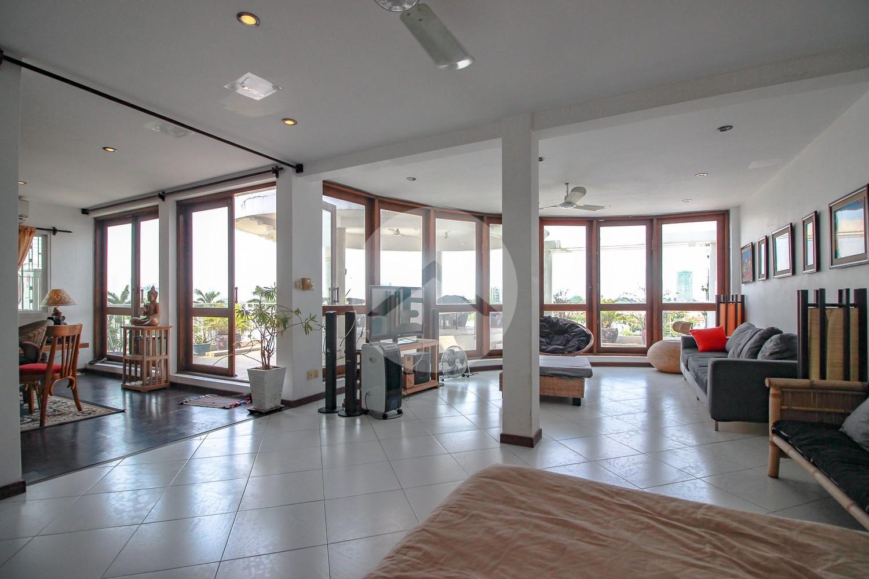 2 Bedroom Luxury Flat For Rent - Daun Penh, Phnom Penh