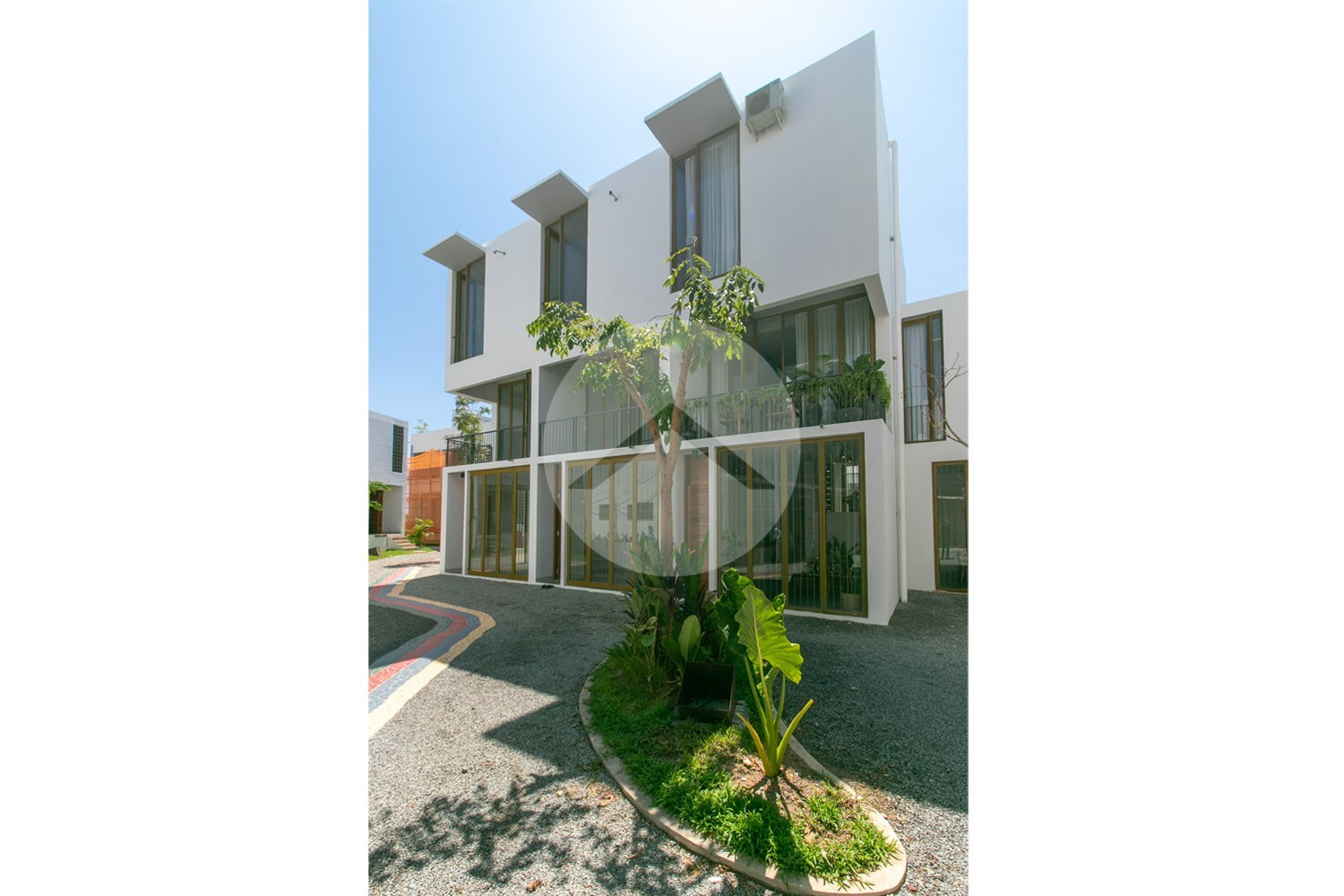 2 Bedroom Villa For Sale on Road 60, Siem Reap . Foreign ownership allowed
