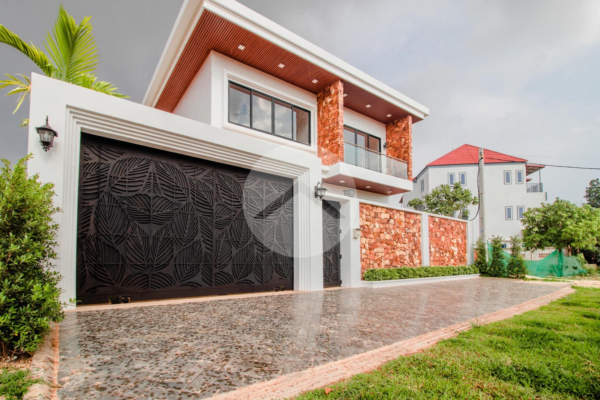 4 Bedroom Villa With Pool For Rent- Svay Dangkum, Siem Reap