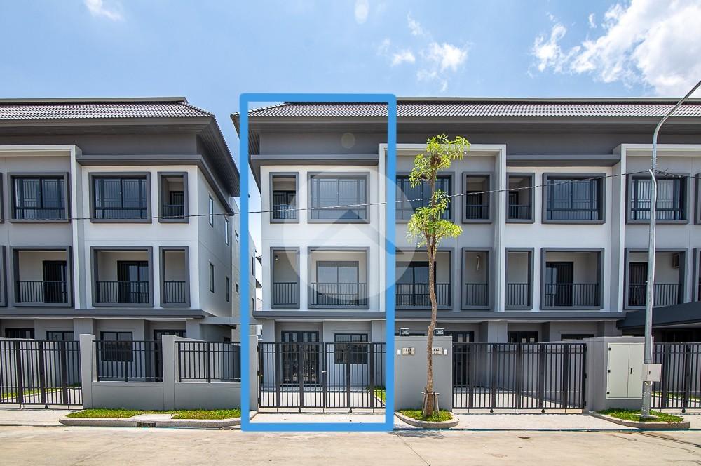 4 Bedroom Link Villa Side Corner  For Rent - Hun Sen Blvd, Phnom Penh