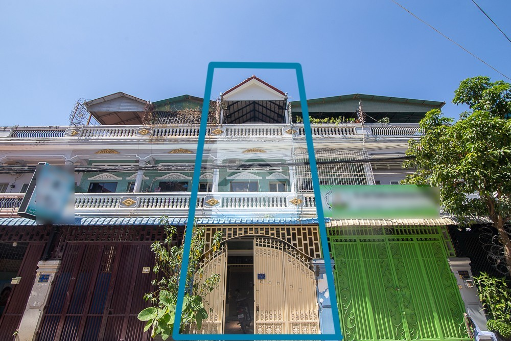 4 Bedroom Townhouse For Sale - Chamkarmorn, Phnom Penh